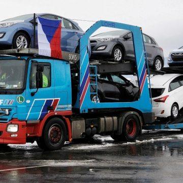 První expedice nových vozů Hyundai i30 pro české zákazníky