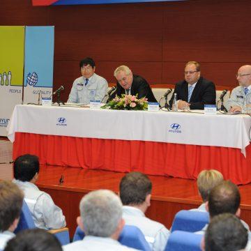 Miloš Zeman, prezident České republiky, navštívil závod HMMC