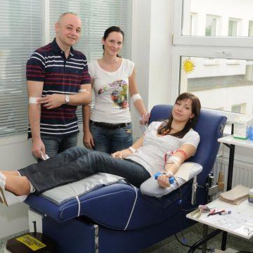 Zaměstnanci společnosti Hyundai dávali po celý duben bezplatně krev