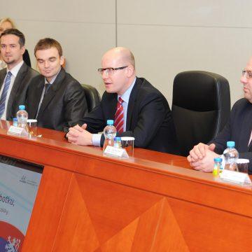 Návštěva Bohuslava Sobotky, předsedy vlády ČR, v závodě HMMC
