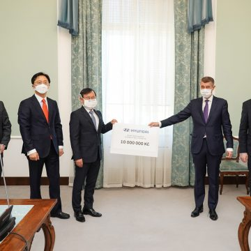 Hyundai donated CZK 10 million and 20,000 respirators to the Czech Republic to support fight against COVID-19