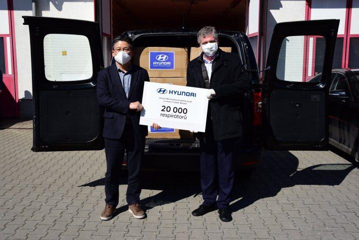 Hyundai předal v Moravskoslezském kraji více než 20.000 respirátorů na boj proti šíření nemoci COVID-19